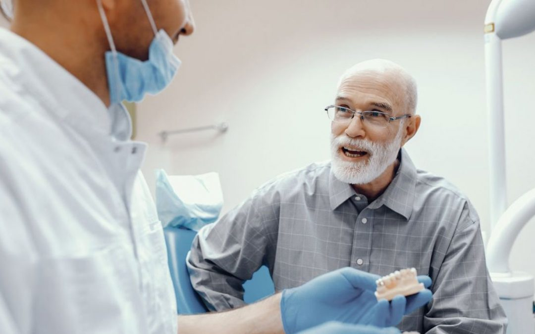 5 Warning Signs You Need to See A Denture Clinic Immediately